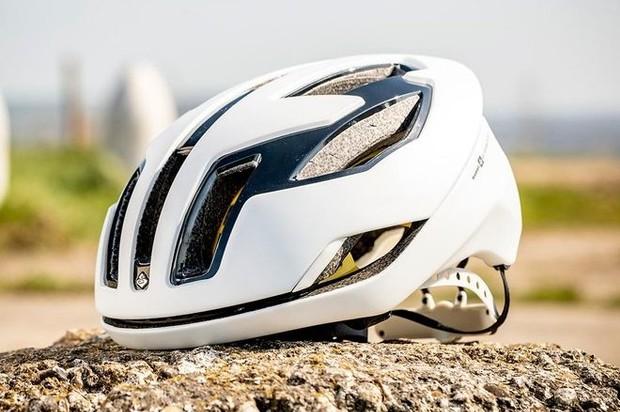 white cycling helmet